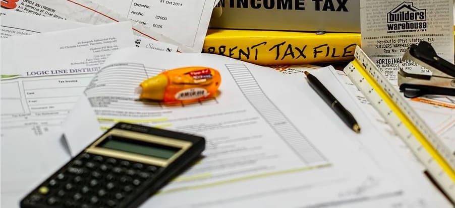 Wygrana u bukmachera STS a podatki. Czy zyski trzeba podawać w deklaracji PIT?